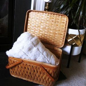Vintage Lidded Basket picnic woven handles boho